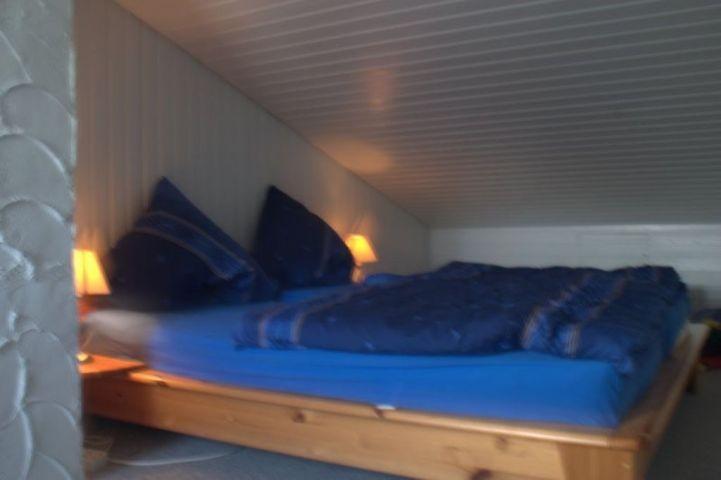 Beide Schlafzimmer mit elektrischen Lattenrosten