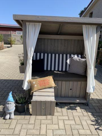 Unsere neue Strandkorb-Hütte