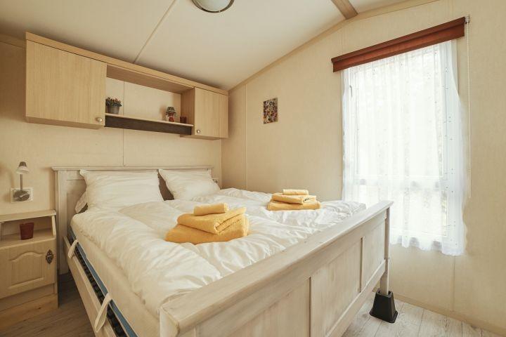 Schlafzimmer 140x200 Bett
