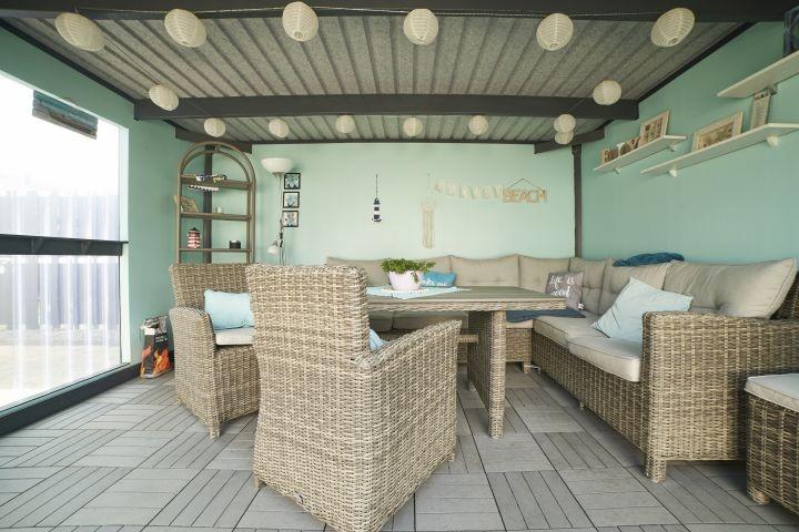 Gemütliche Lounge für gesellige Stunden, überdacht!