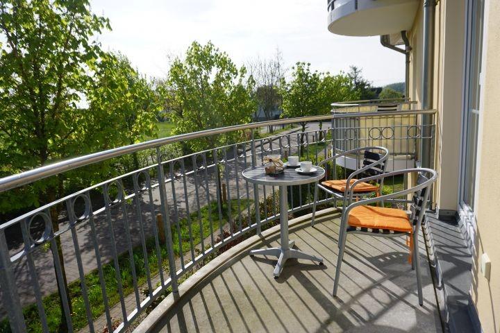 Balkon mit 3 Sitzmöglichkeietn