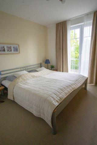 Schlafzimmer mit großen Schrank
