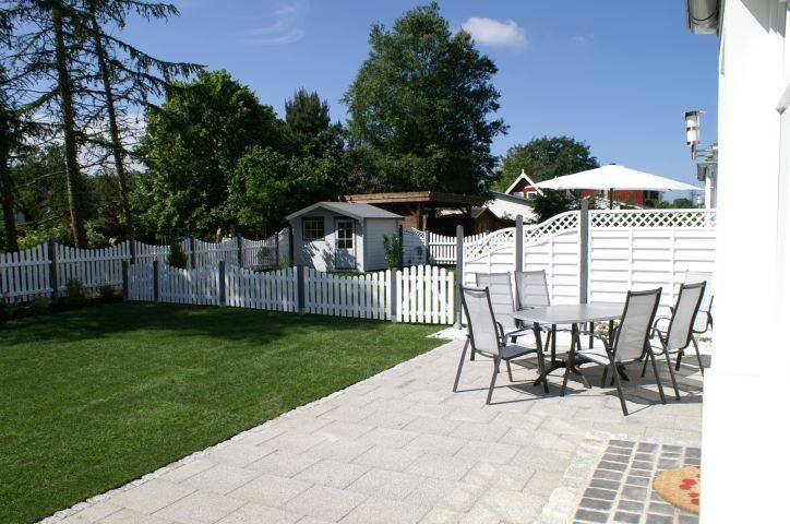 Wunderschöne Terrasse mit Garten