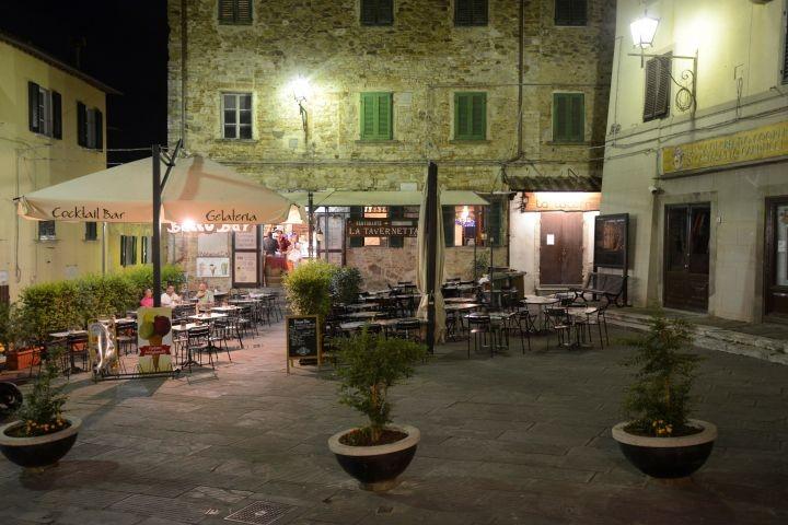 schönes altes Dorf in der Nähe Campiglia Marittima