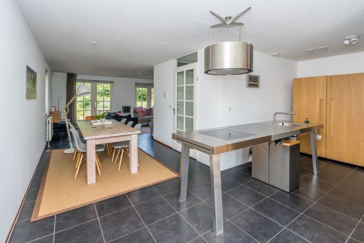 Die moderne, offene Küche (Bulthaup)