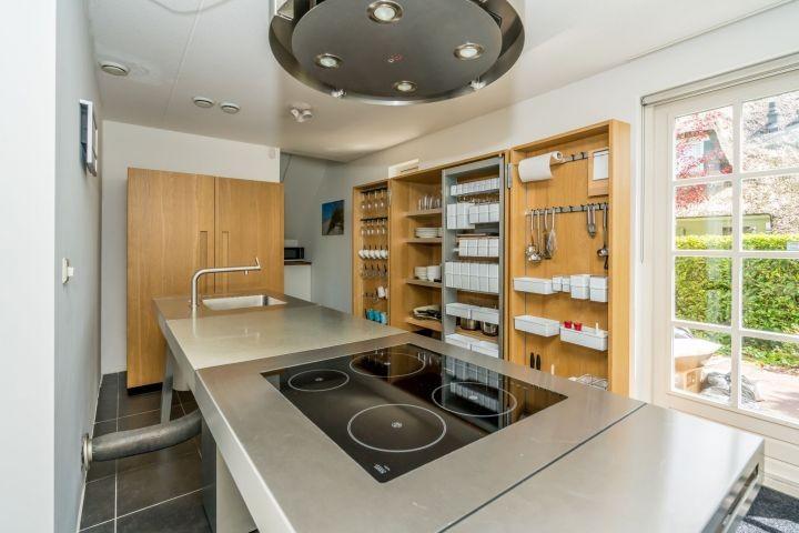 Die moderne Küche mit allem Komfort