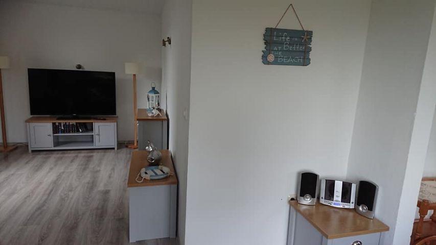 Wohnzimmer mit 55 Zoll Smart TV
