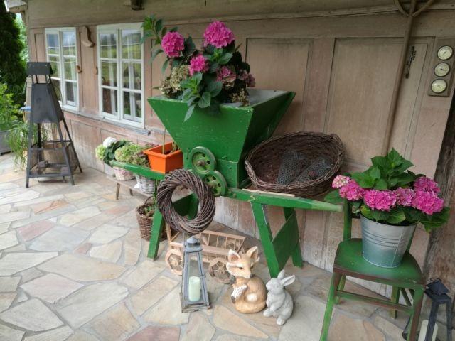 Blumenschmuck im Eingangsbereich von Mutter's Stube