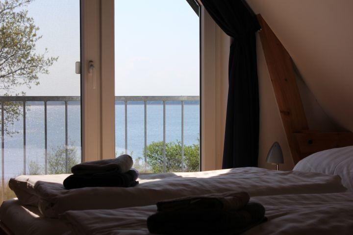 Schlafzimmer OG mit Wasserblick
