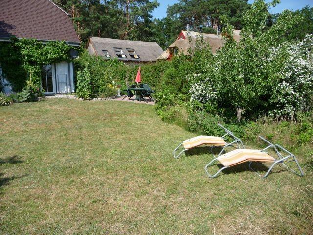 gartenmöbel frei im Garten verstellbar