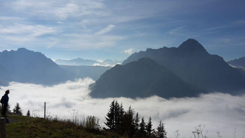 über der Nebeldecke auf dem Walmendinger Horn