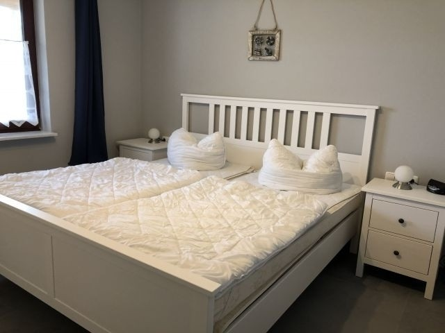 Typ 1/2 Schlafzimmer mit TV (Parterre)