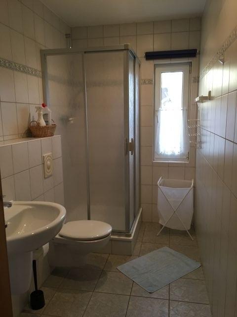 Typ 3 Bad mit Dusche, WC, Fön...