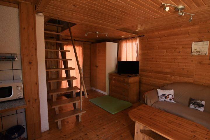 Wohnbereich mit Treppe zum OG