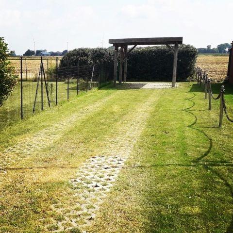 Parken können Sie gerne im Hof oder direkt am Grundstück im Carport