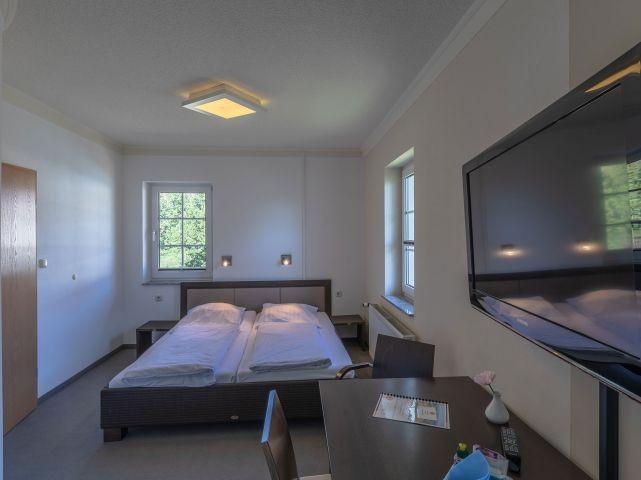 Doppelbett 180x200cm