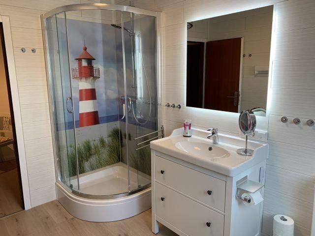 oberes Bad mit cooler Dusche :-)