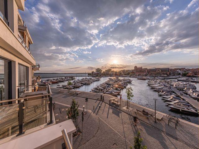 Der Ausblick von der Dachtereasse der Hafenresidenz Waren Müritz