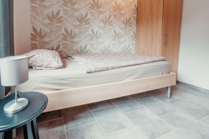 Kleines Schlafzimmer (2)