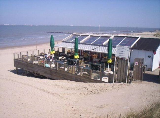 Ein gemütlicher Strandpavillion
