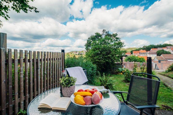 Der Sitzplatz im Garten mit Ausblick