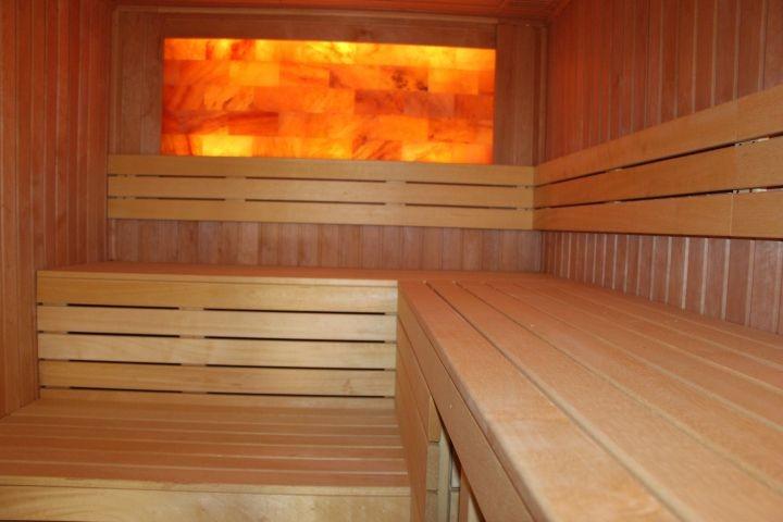 Finnische Salzstein-Sauna für 6 Personen