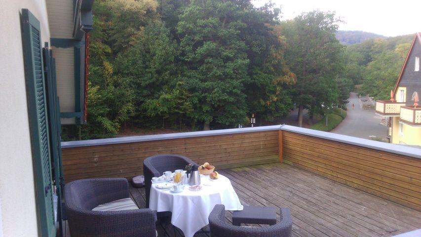 Manchmal gibt es auf dem Dach Frühstück :-)