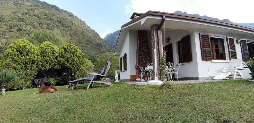 Ferienhaus mit eigenem eingezäunten  Garten