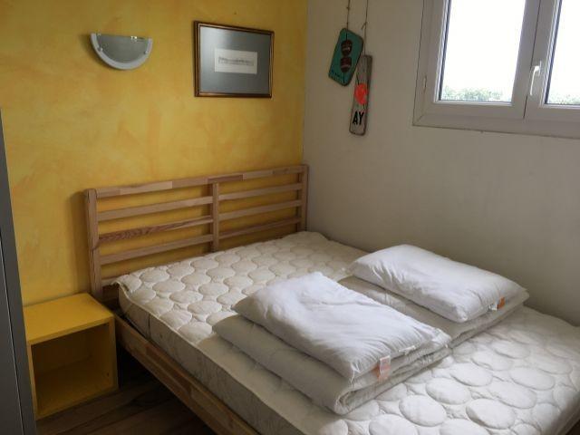 gelbes Schlafzimmer