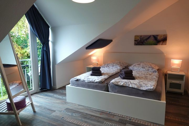 Schlafzimmer 1 mit Doppelbett im OG