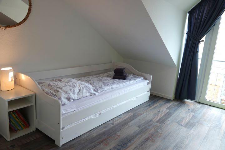 Schlafzimmer 2 im OG mit 2 Einzelbetten