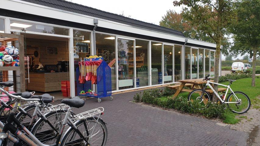 kleiner Supermarkt im Park