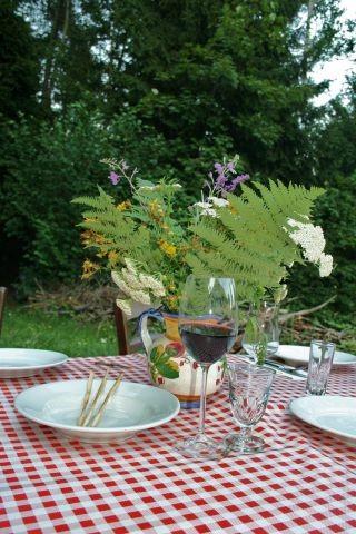 Esstisch im Garten