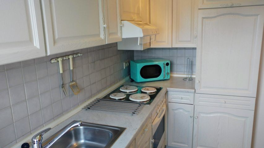 geräumige Küche - weitere Ansicht
