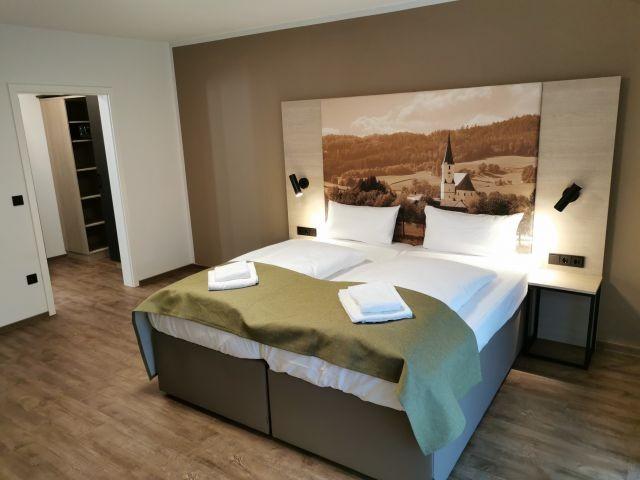 Neues Doppelzimmer - Doppelbett