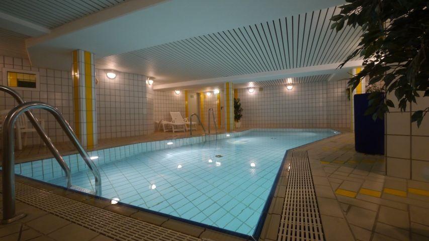 Das hauseigene Schwimmbad ist kostenfrei