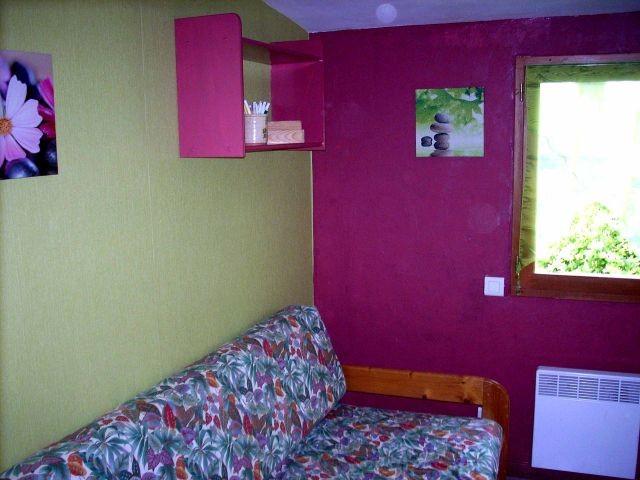 2. Schlafzimmer mit 2 Betten