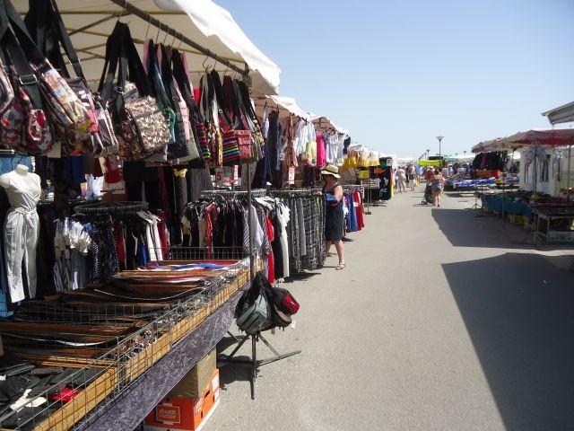 Markt in St. Pierre : Oktoberaufnahme
