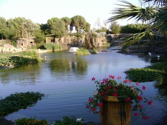 jardin St. Adrian, traumhafter Park 20min. von Nissan