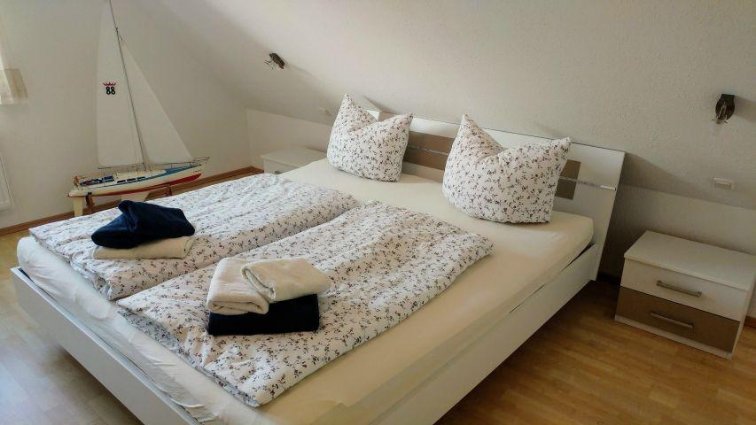 Schlafzimmer 1 2(identisch)