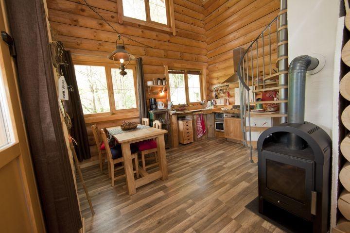Küchen und Essbereich