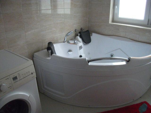 Badezimmer mit Whirlpool Obergeschoss