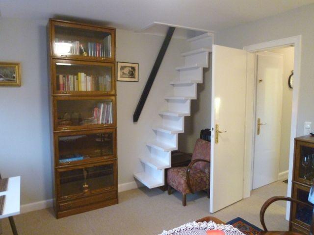 Treppe nach oben ins Dachgeschoss