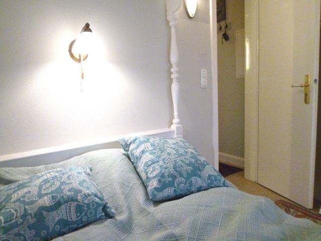 Schlafzimmer im Obergeschoss mit Blick auf den Flur