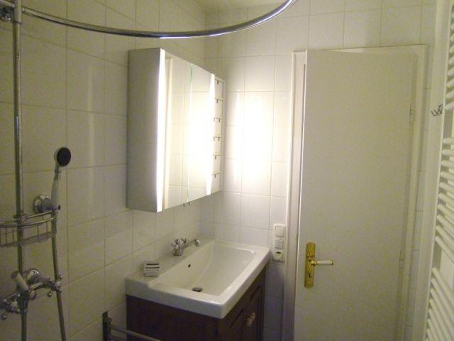 Badezimmer-Waschtisch