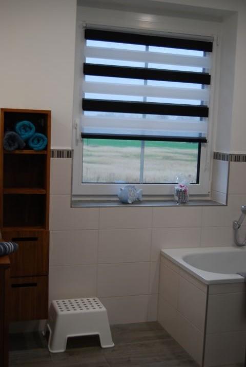 Bad DG mit Dusche und Badewanne
