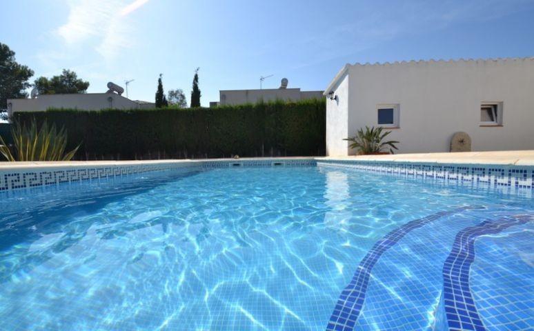 Pool. Finca La Isla