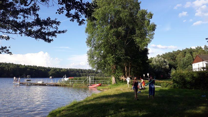 Die öffentliche Badestelle am Ellbogensee