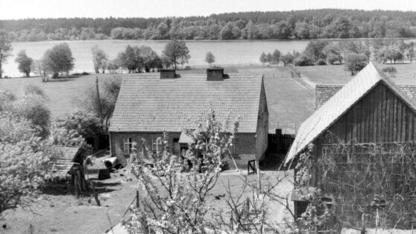 Blick über das Haus auf die  Havel wohl um 1970-75