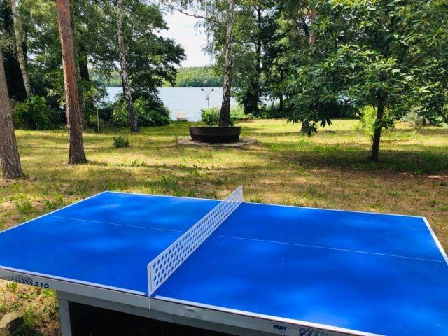 Tischtennis mit Seeblick